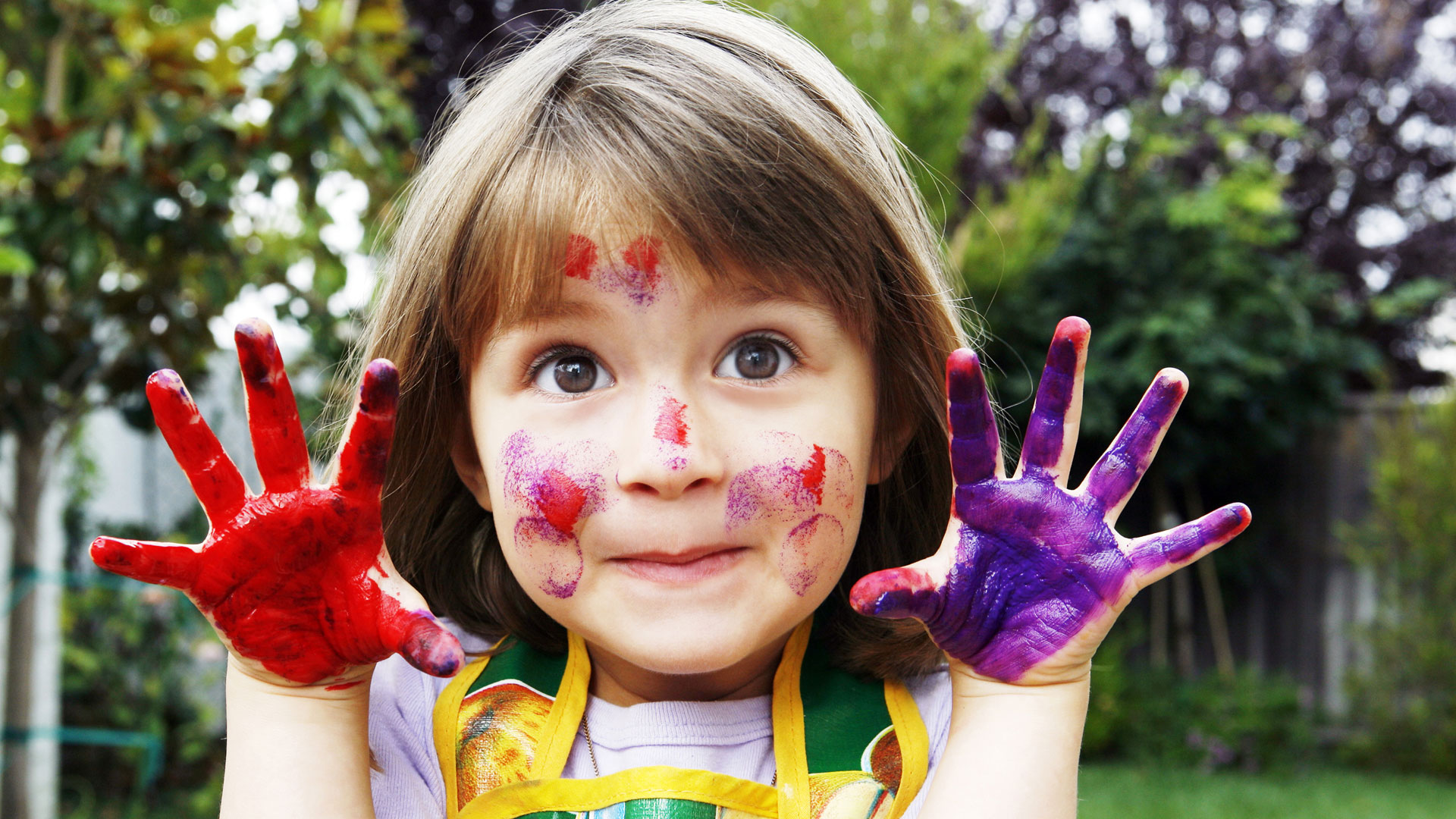 Little girl with messy hands