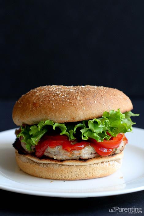 Cheese-stuffed turkey burger