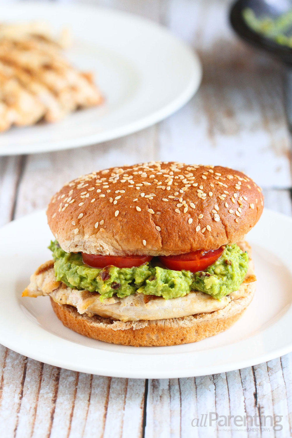 allParenting Grilled chicken burgers with easy guacamole
