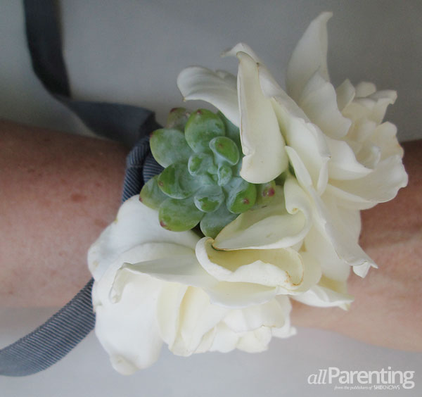 allParenting diy corsage step 4