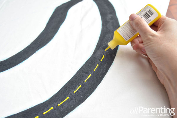 allParenting DIY race track t-shirt step 3