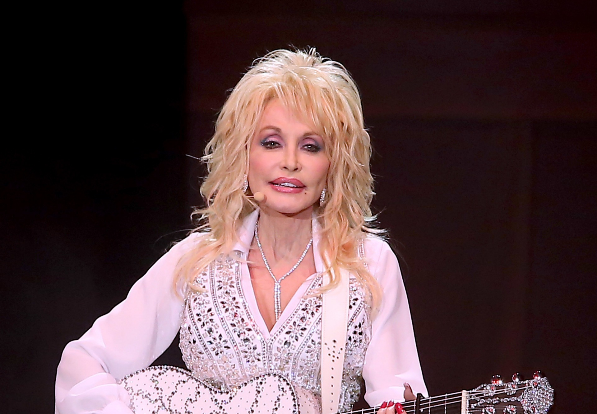 Is dolly parton gay