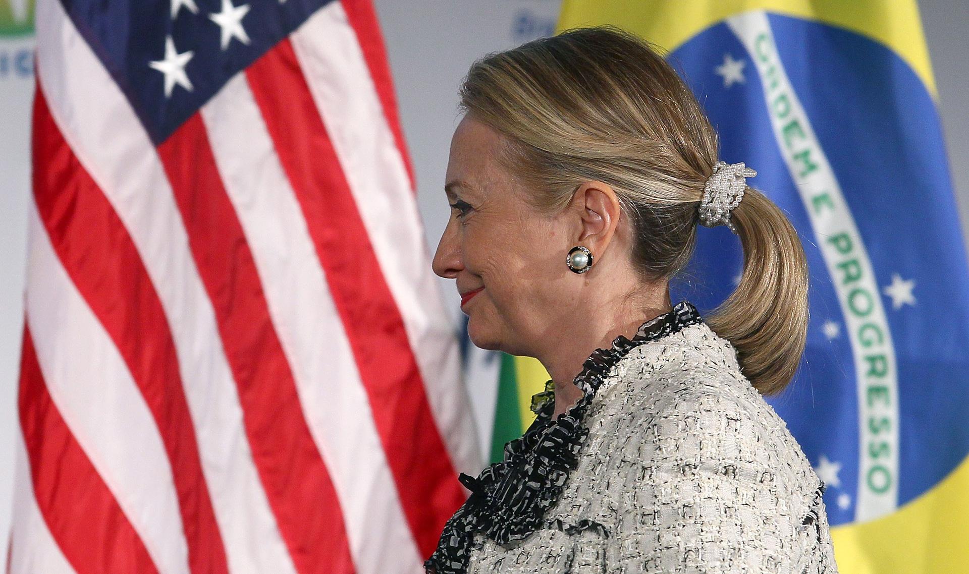 Hillary Clinton wearing scruncie