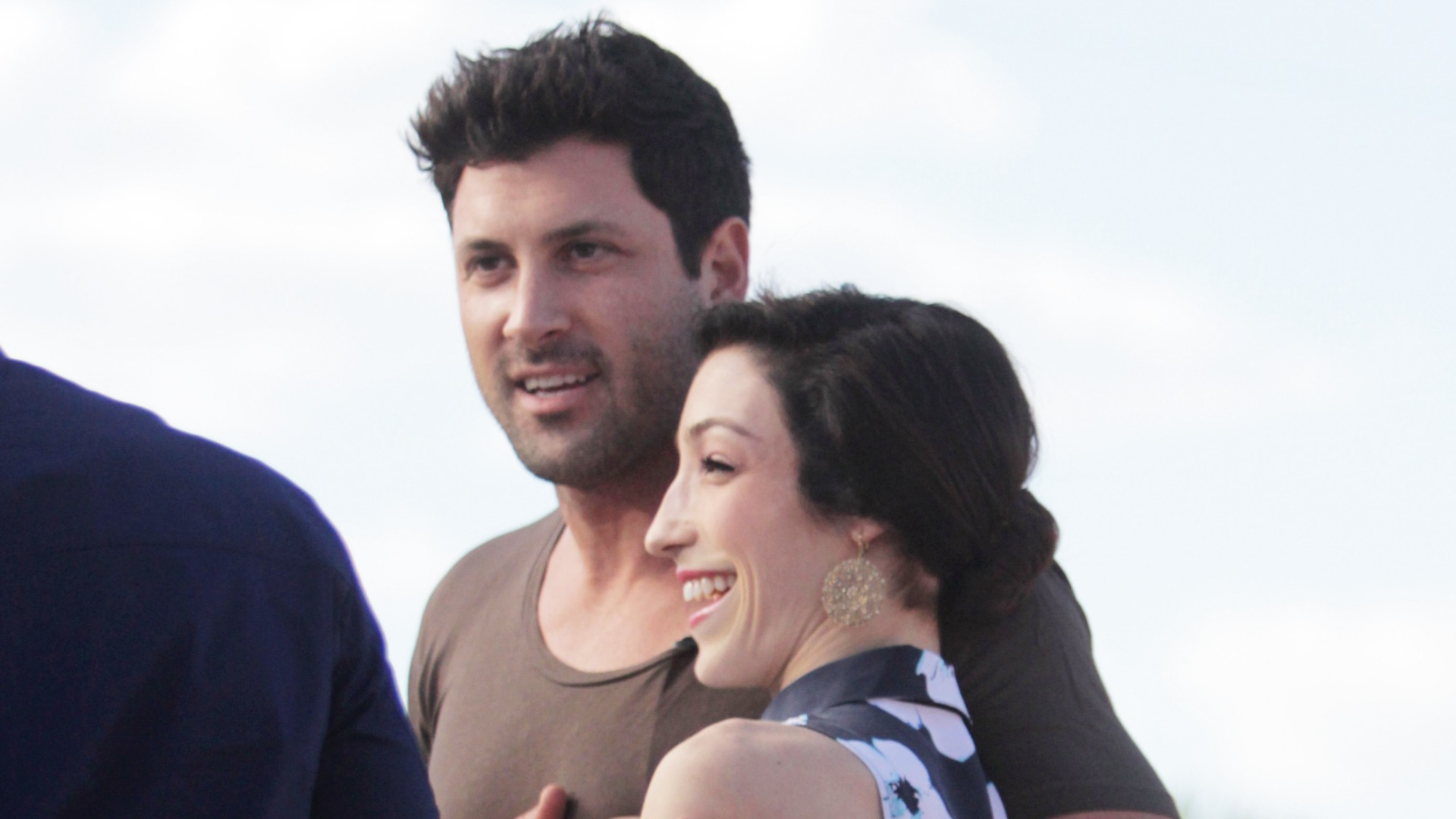 meryl and maks dancing with the stars are they dating I know you've wondered every monday since the beginning of march whether or not dancing with the stars couple olympic gold medalist meryl davis and maksim chmerkovskiy are dating and when.