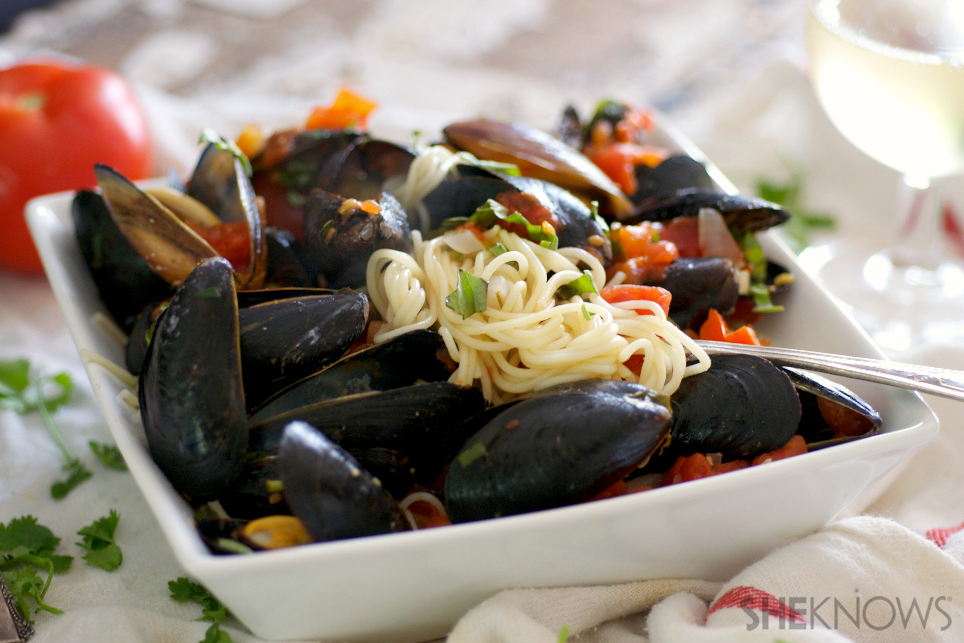 Angel hair pasta with red pepper sauce and mussels recipe