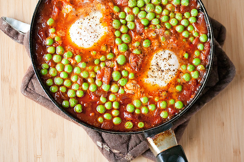 Portuguese-style braised peas with eggs