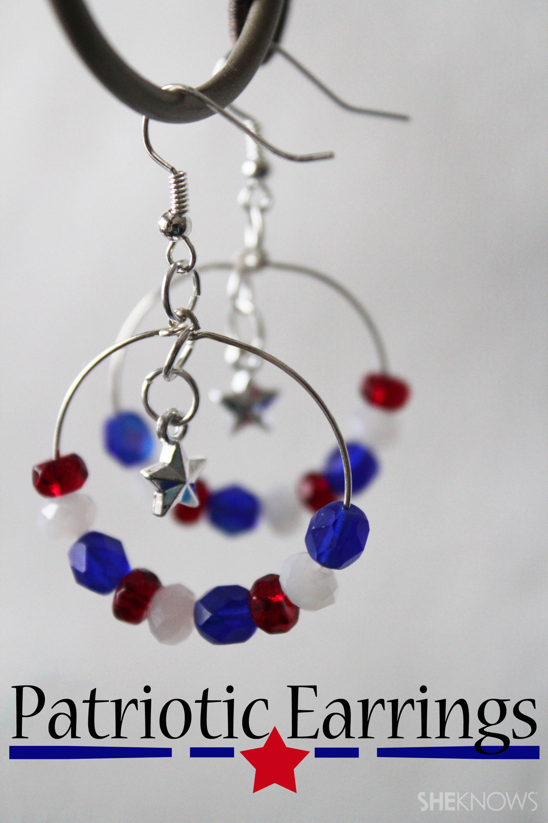 DIY jewelry: Patriotic earrings for July Fourth