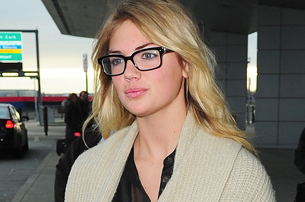 Stylish celebrities that wear glasses