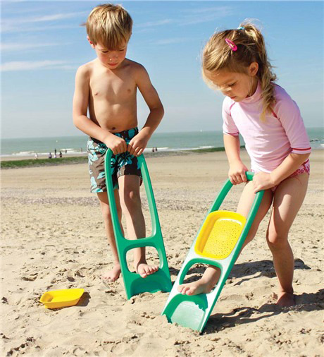 Quut Scoppi Sand Scoop | Sheknows.com