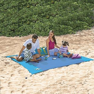 Sand-Away Beach Sheet | Sheknows.com