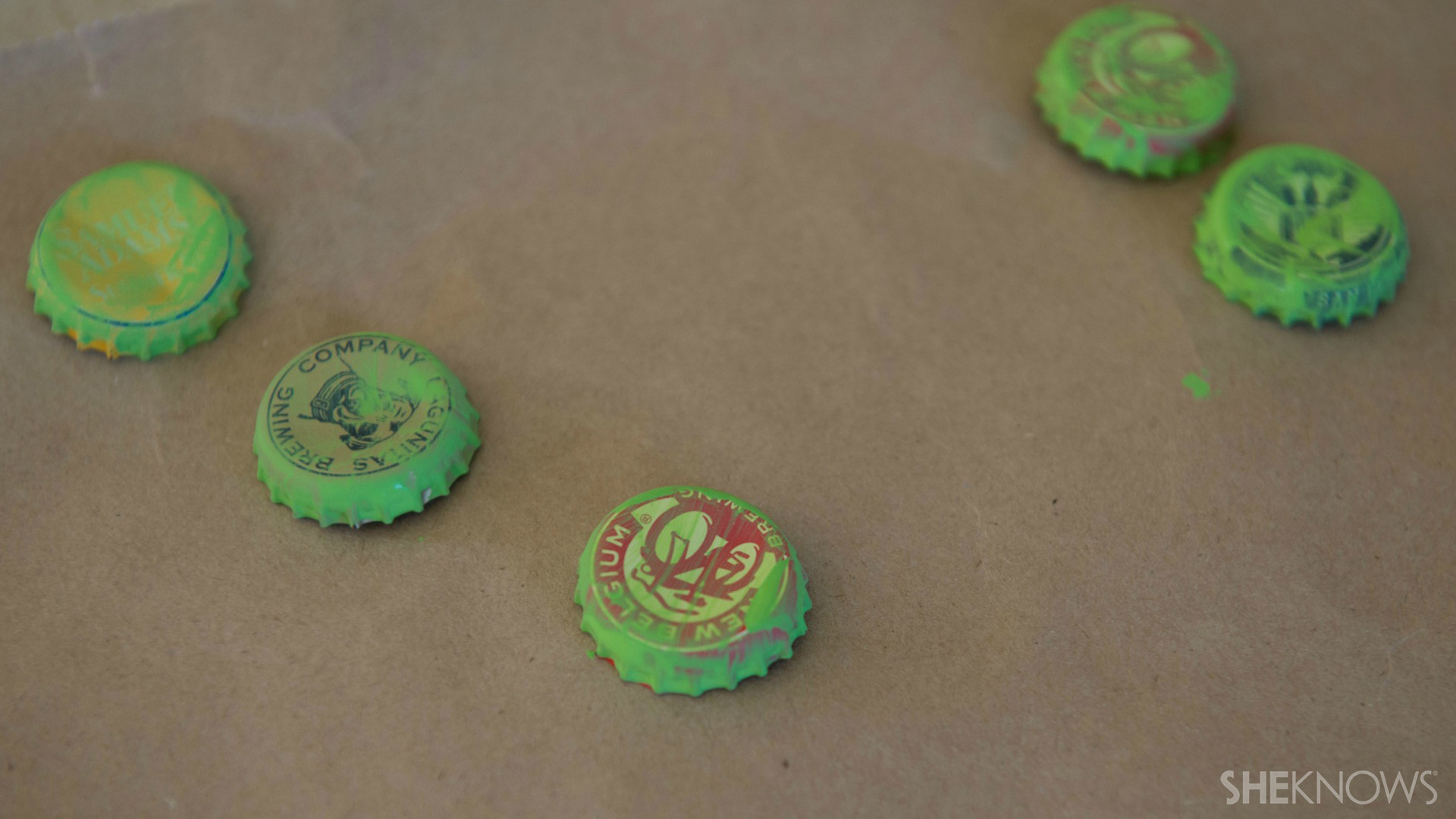 Bottle cap magnets | Sheknows.com - green paint