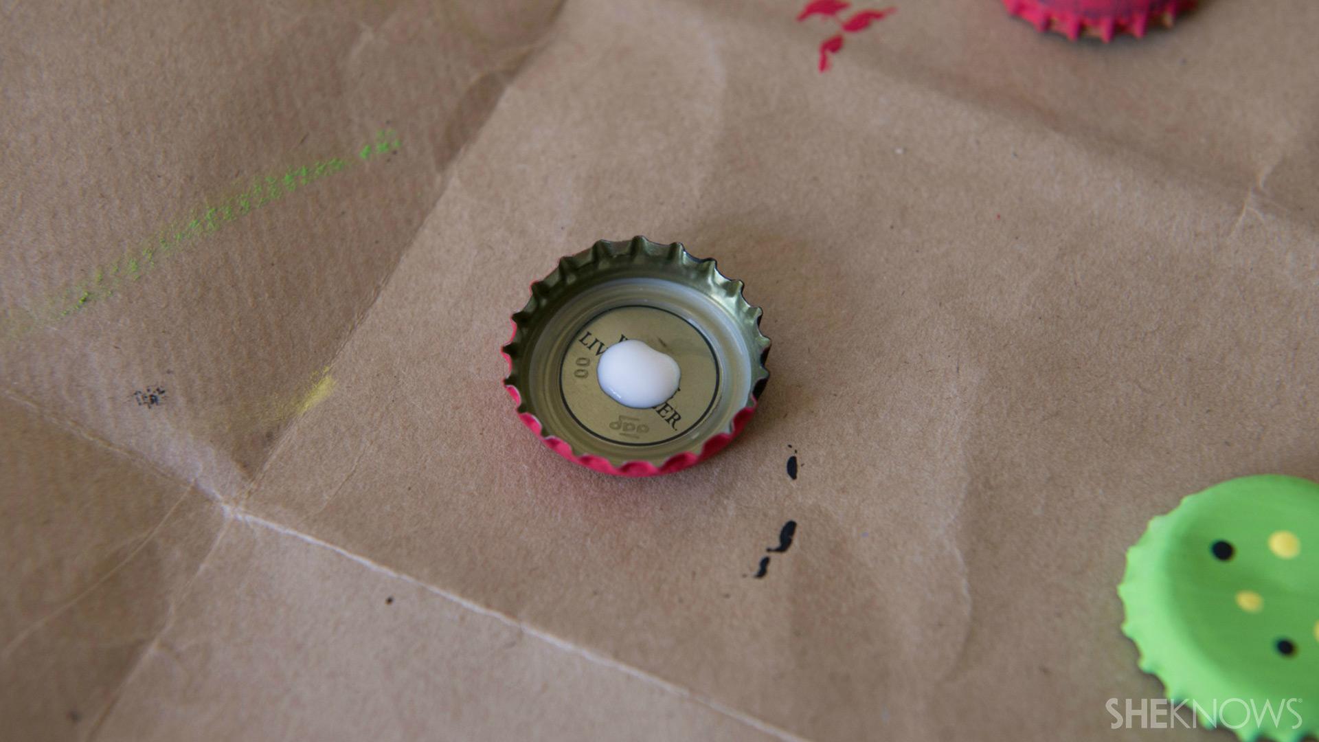 Bottle cap magnets | Sheknows.com - glue magnet
