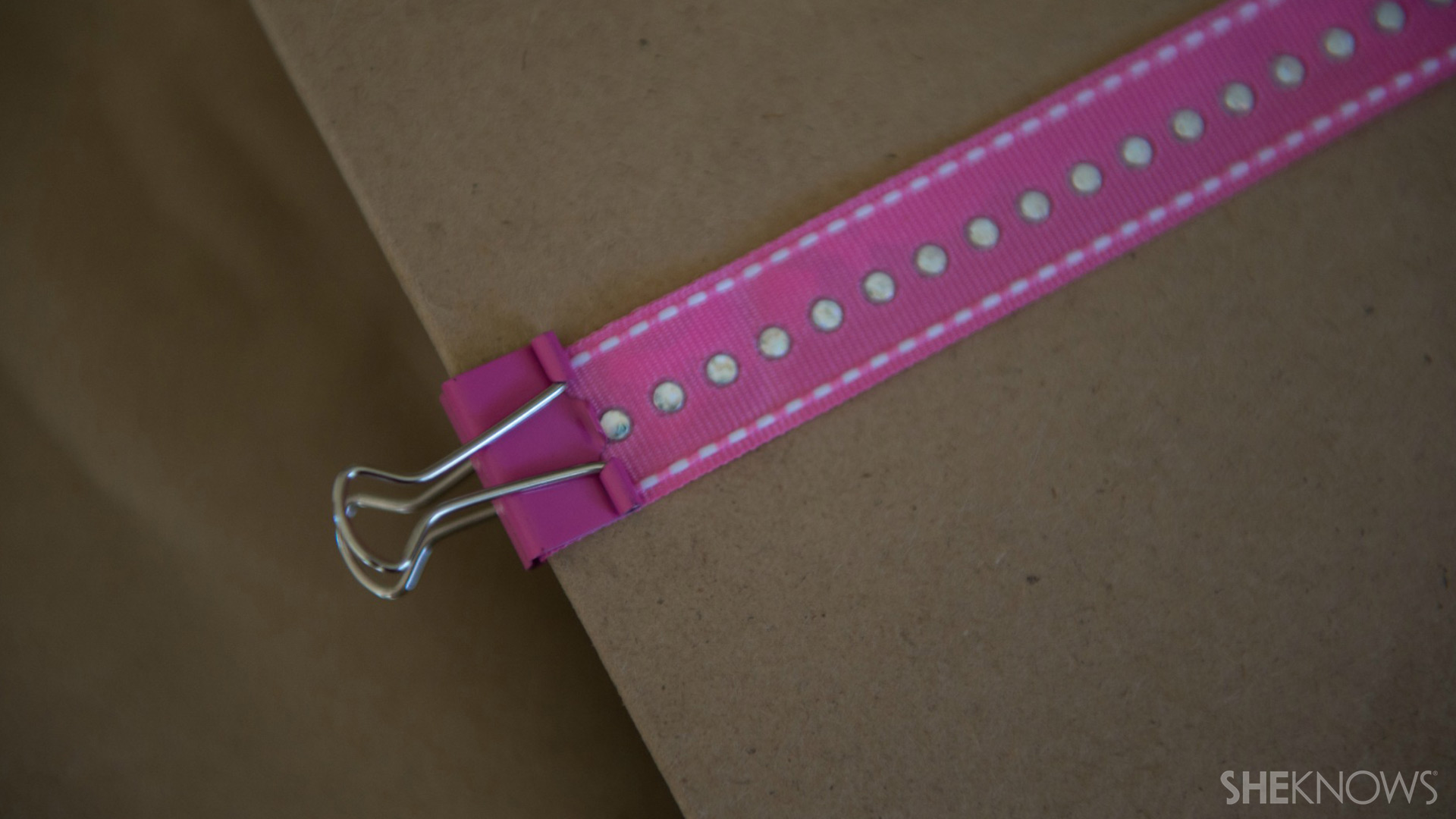 Clipboard | Sheknows.com - glue ribbon