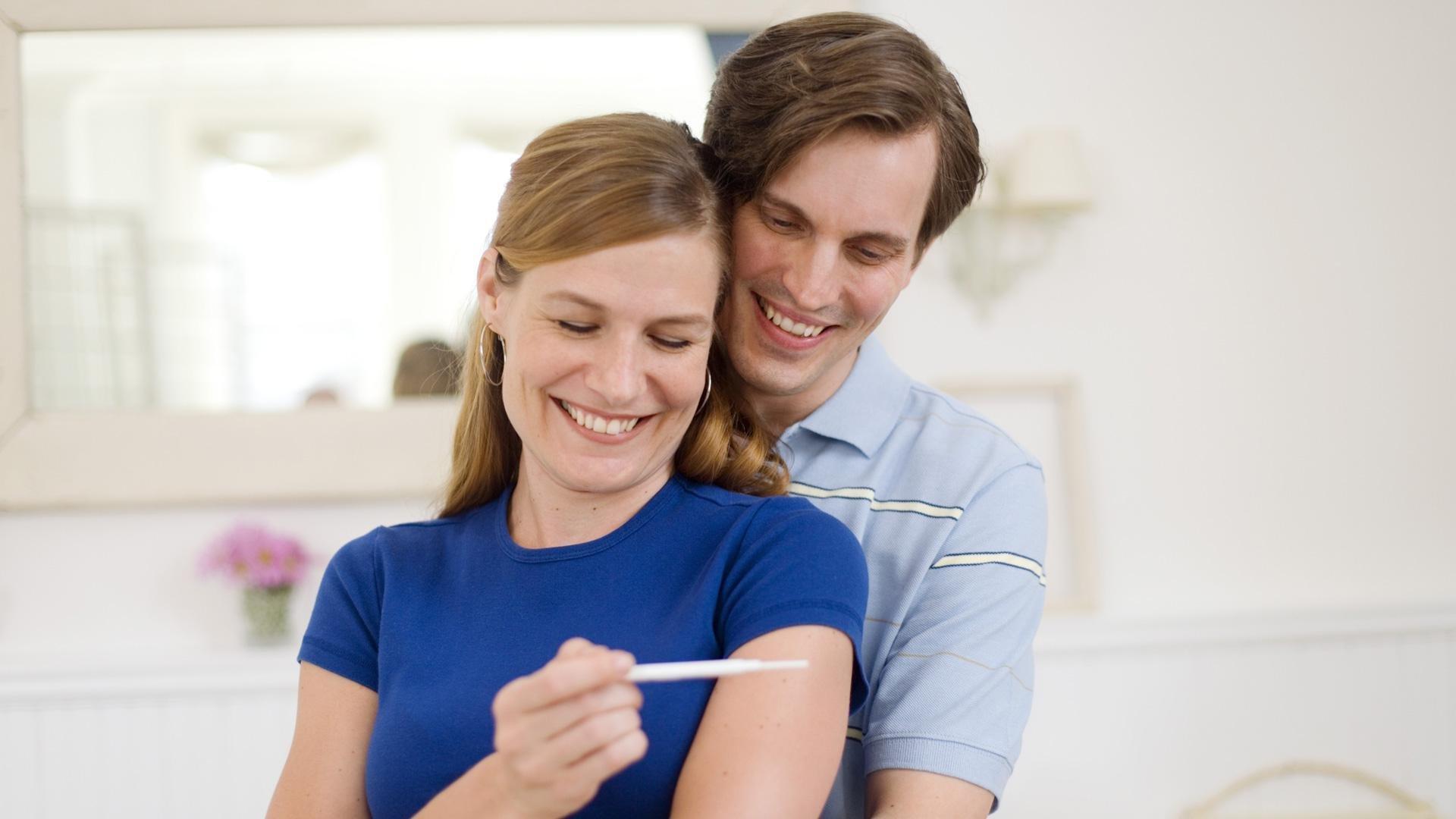 Happy woman pregnant | Sheknows.com
