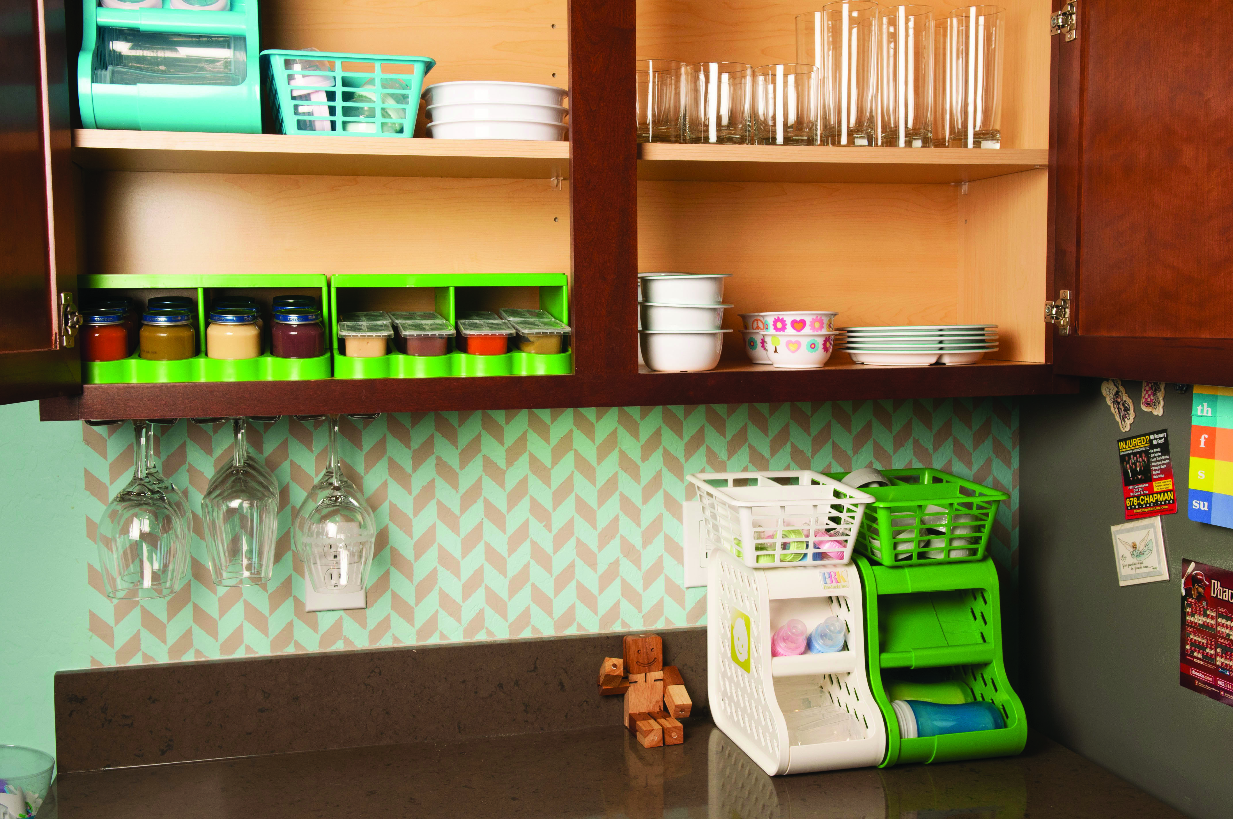 Baby food and bottle storage ideas