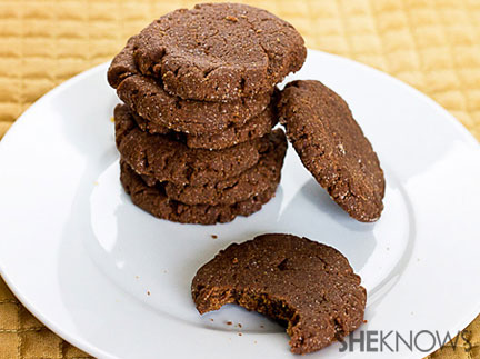German hazelnut cookies with Nutella