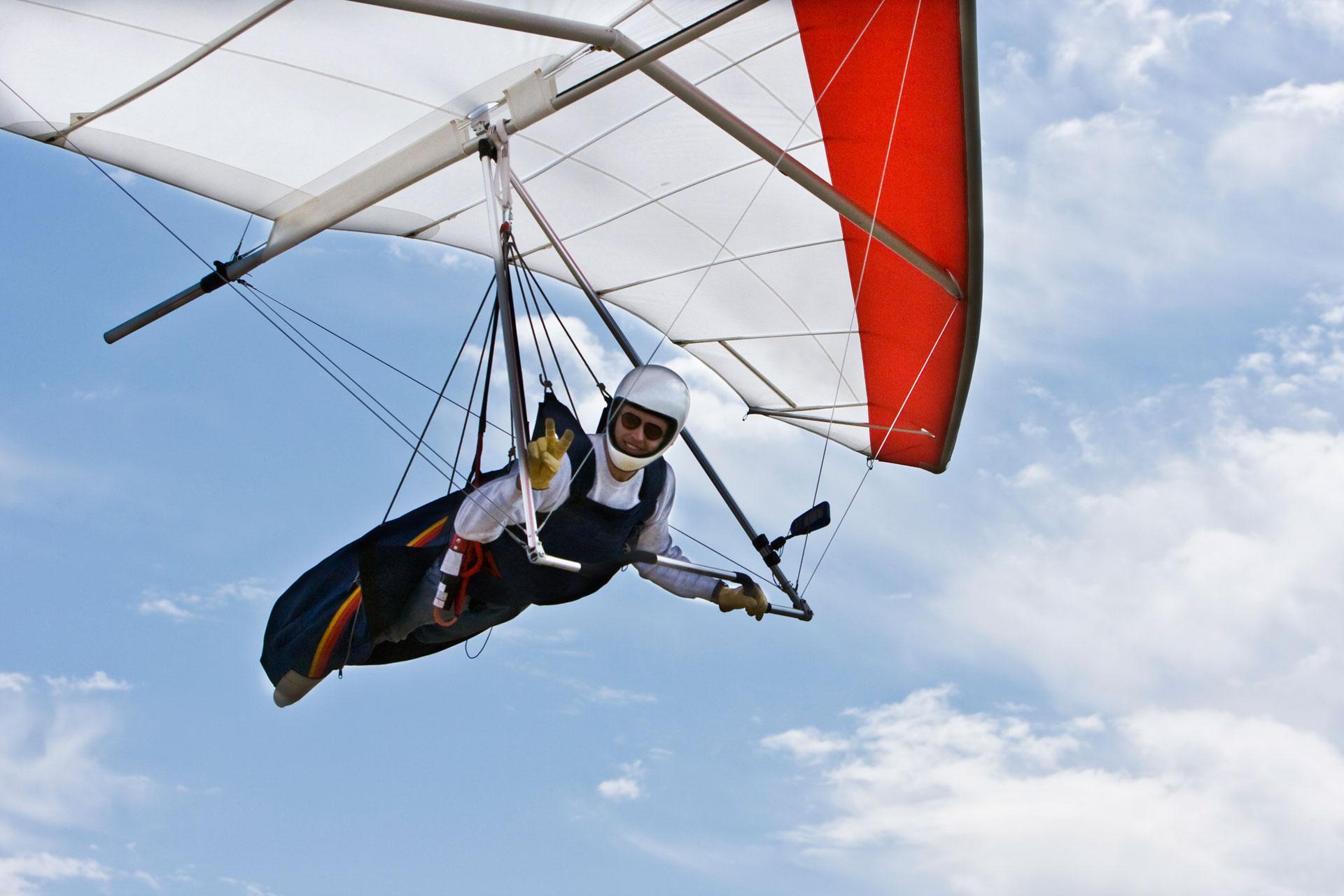 Paragliding or hang-gliding