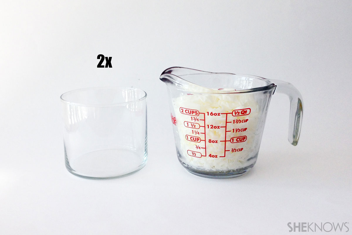DIY scented candles: Measuring wax flakes