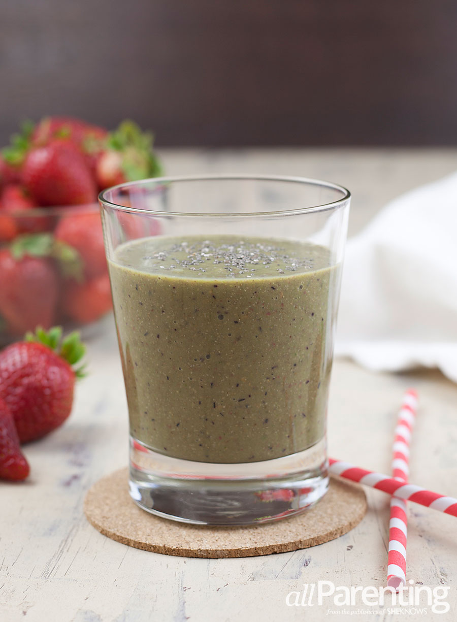allParenting Mixed berry chia smoothie
