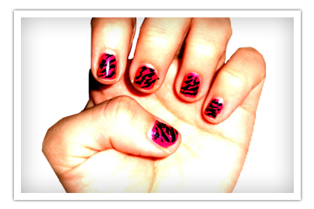 Zebra stripes nail art