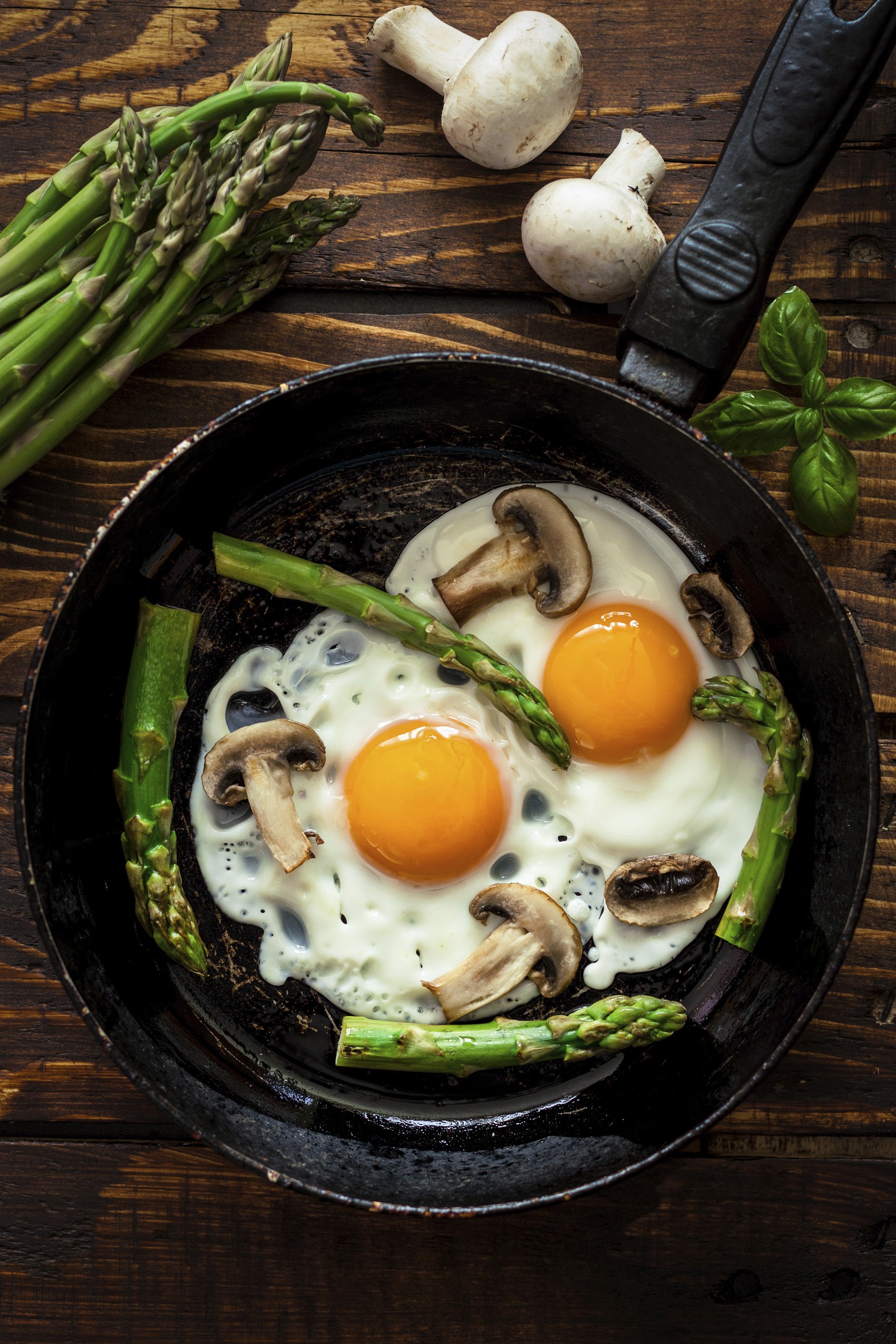 Eggs mushrooms and asparagus