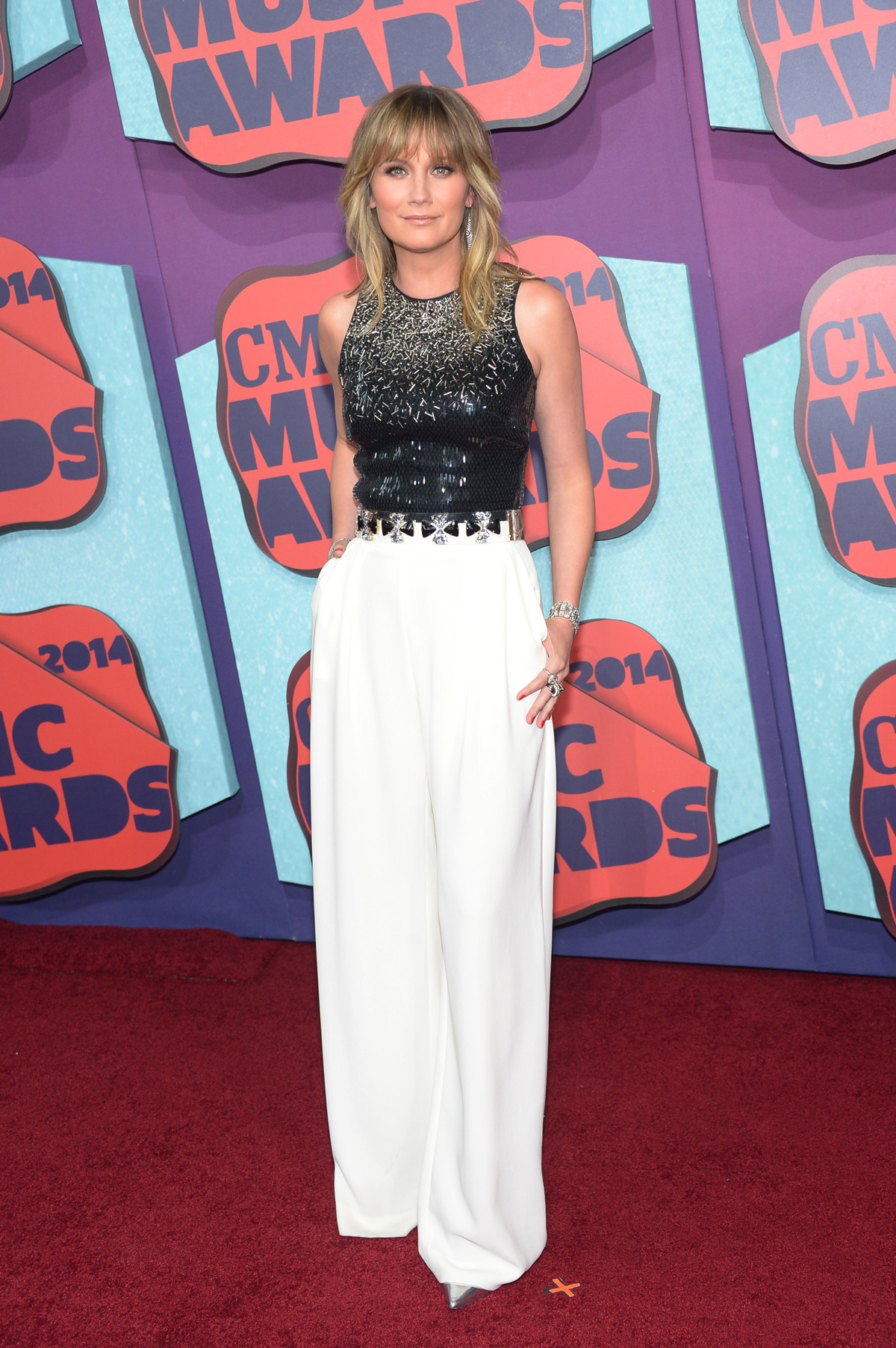 Jennifer Nettlesat the the 2014 CMT Music Awards