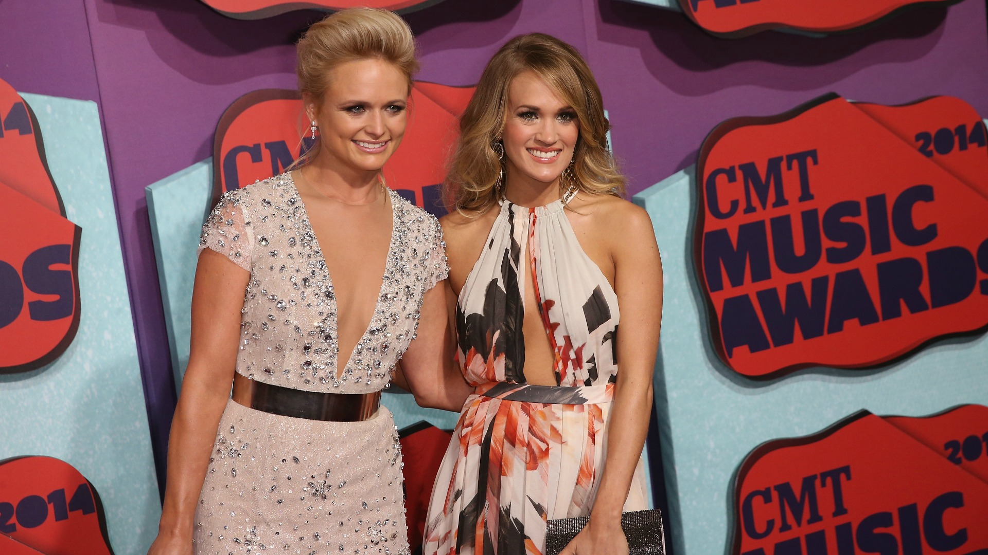 2014 cmt music awards see the complete list of winners for Carrie underwood and miranda lambert friends