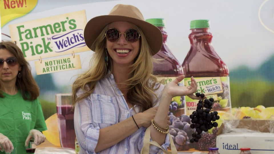 Bloggers dish on new farm-fresh juice