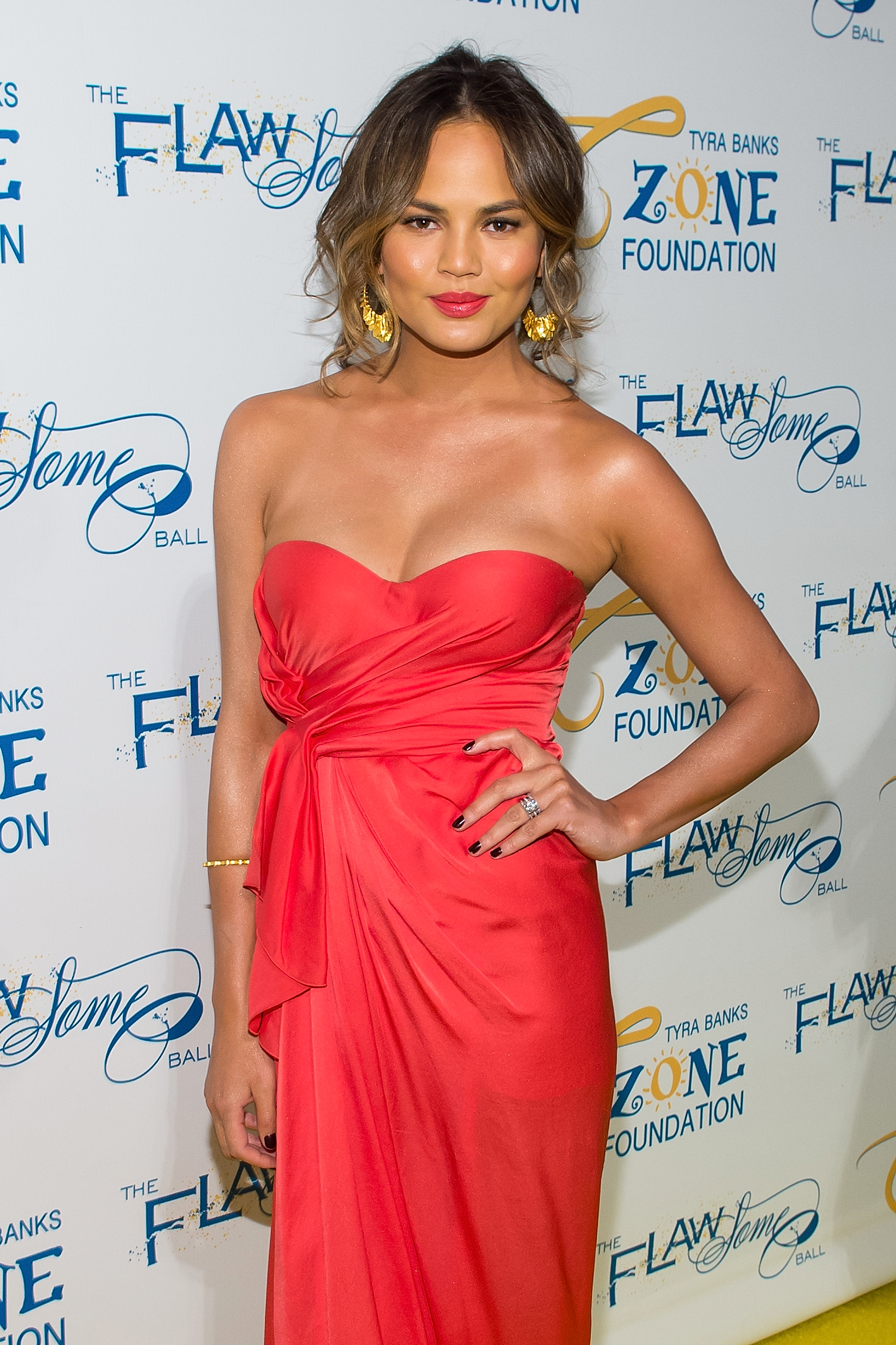 5 Summer styles lessons inspired by Chrissy Teigen