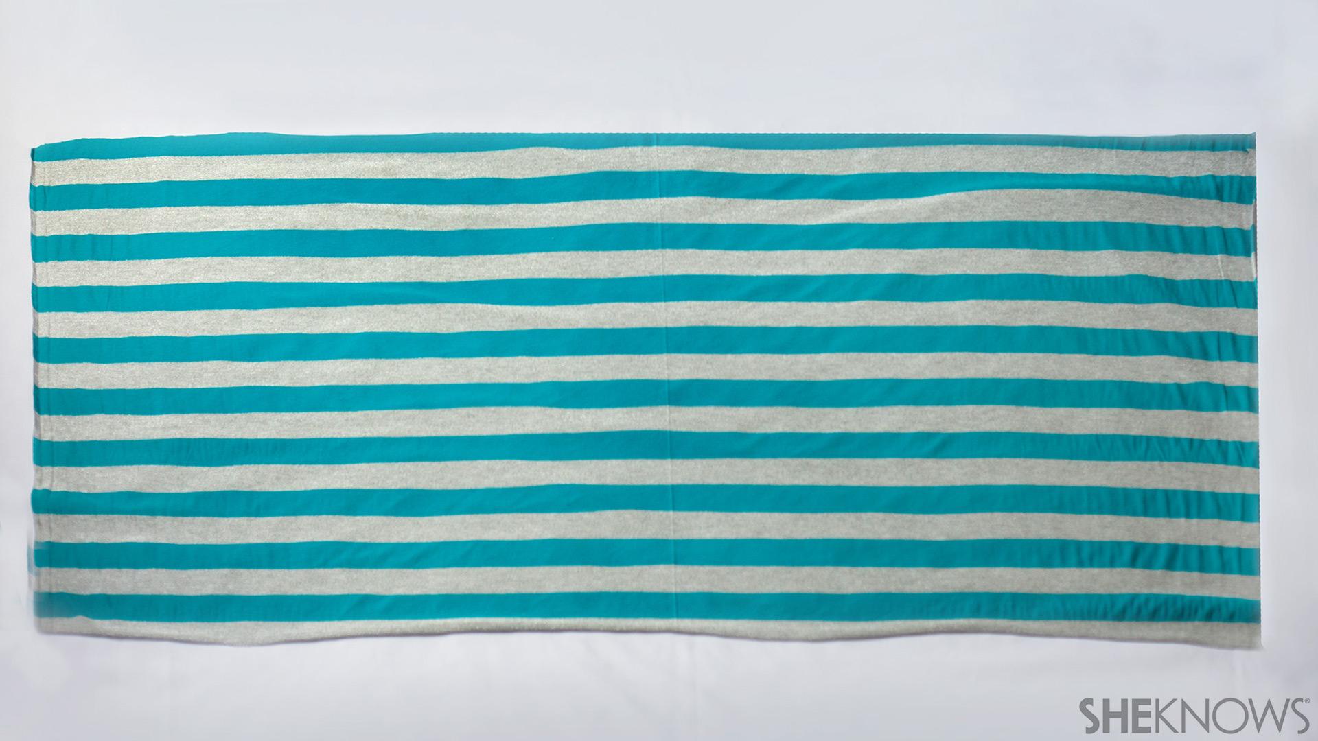 Infinity nursing scarf | Sheknows.com - step 1