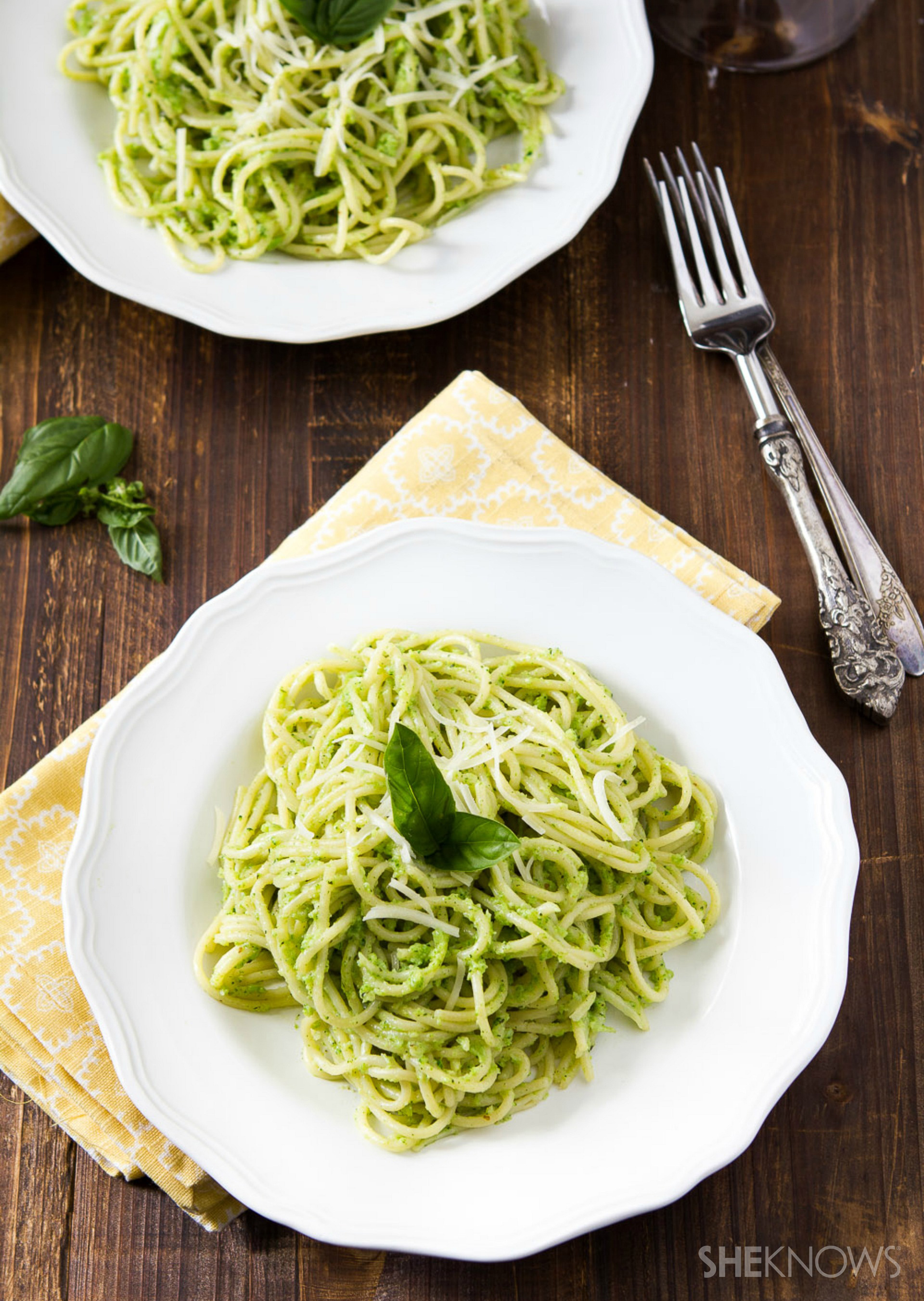 Broccoli and basil pesto spaghetti