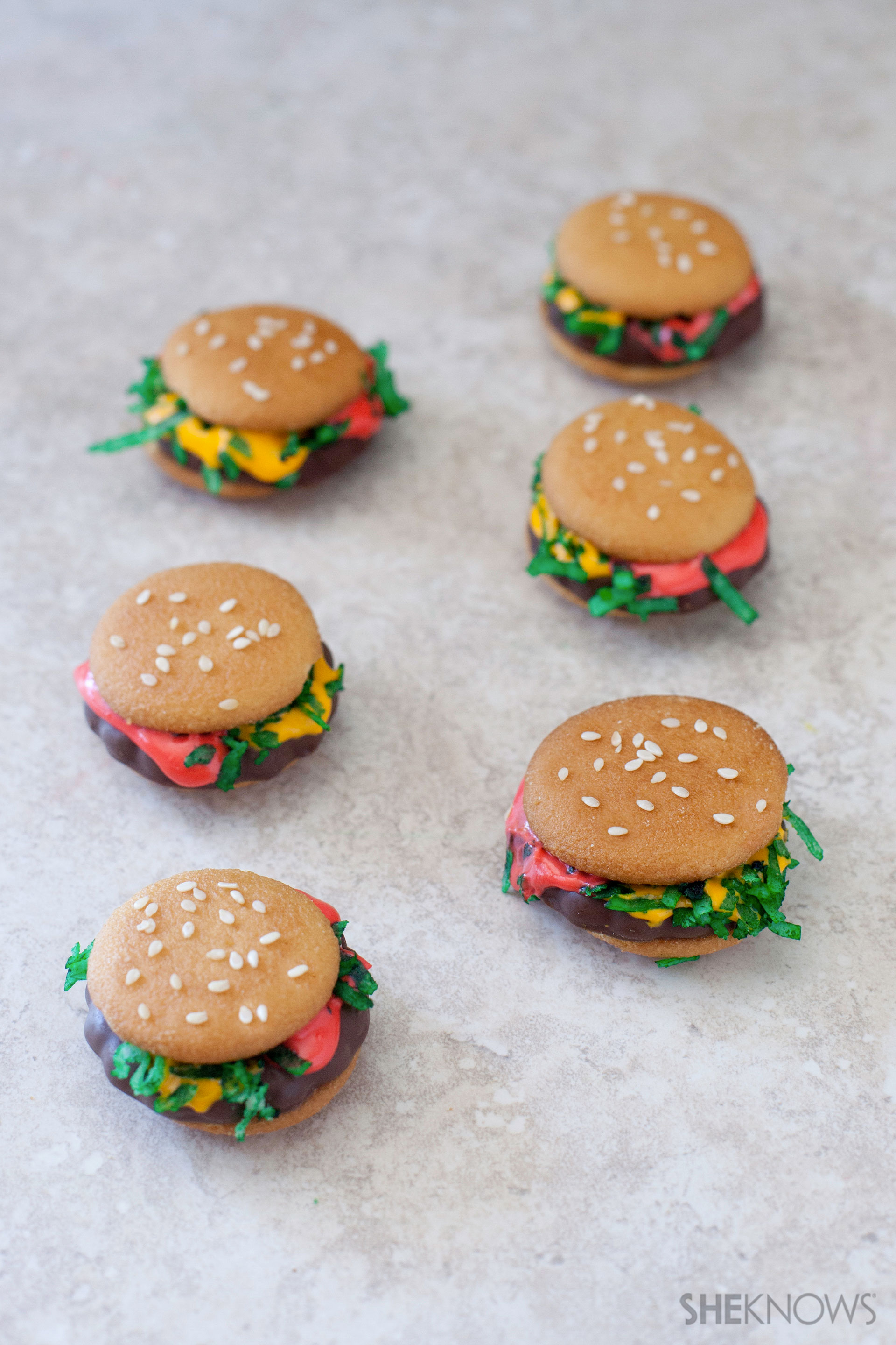 Hamburger sandwich cookies