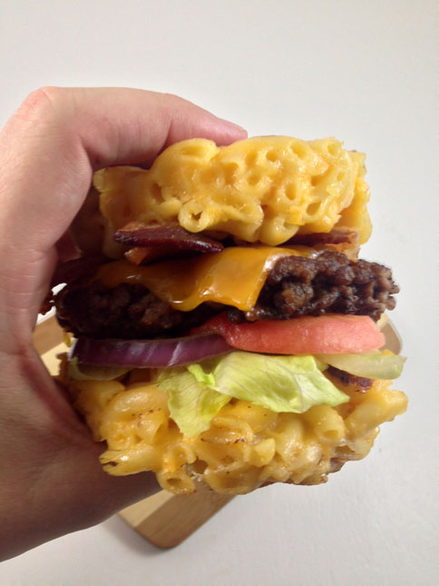 mac and cheese bun burger