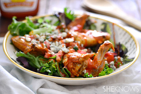 Buffalo chicken wing salad
