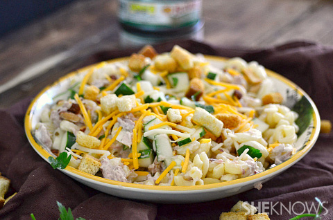 Creamy tuna and cucumber pasta with crispy croutons