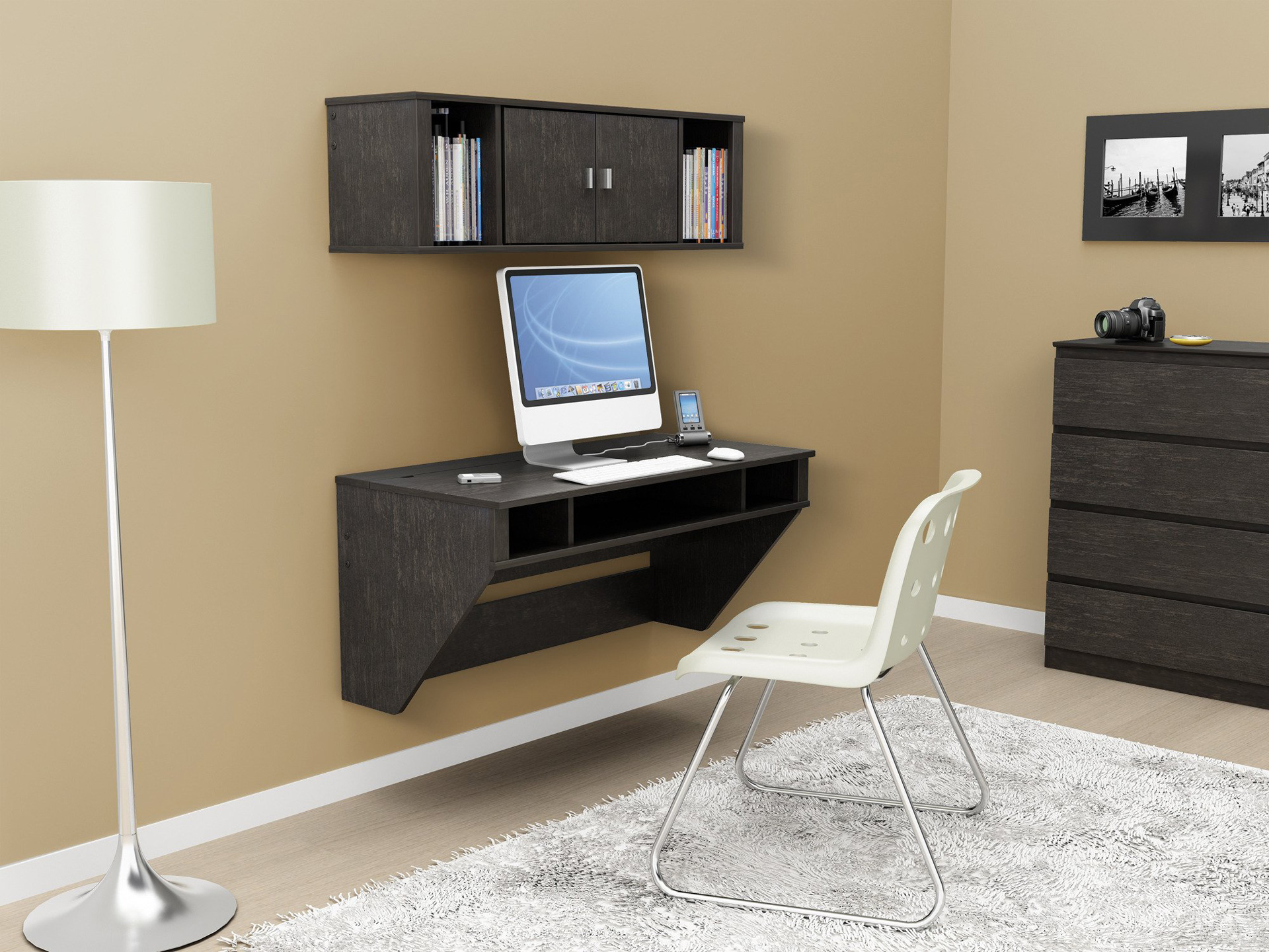 Why Wall Mounted Desks Are Perfect For Small Spaces