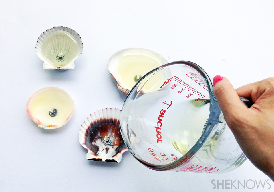 DIY seashell candles: Step 5: Pour wax in seashells