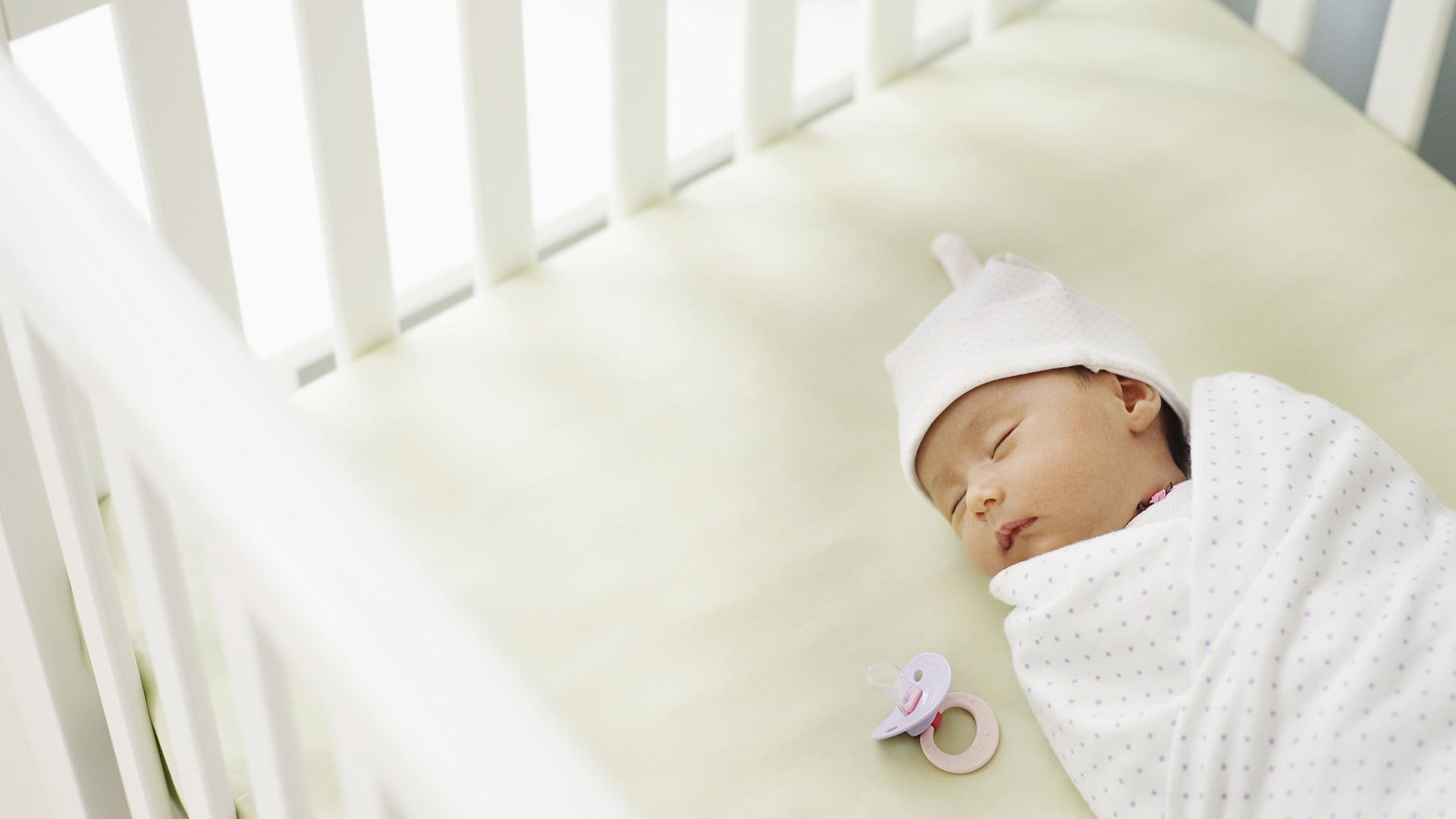 How to create a soothing bedtime routine for baby
