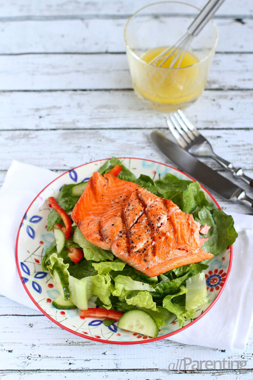 allParenting Grilled salmon dinner salad
