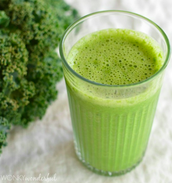 Grapefruit and kale green smoothie