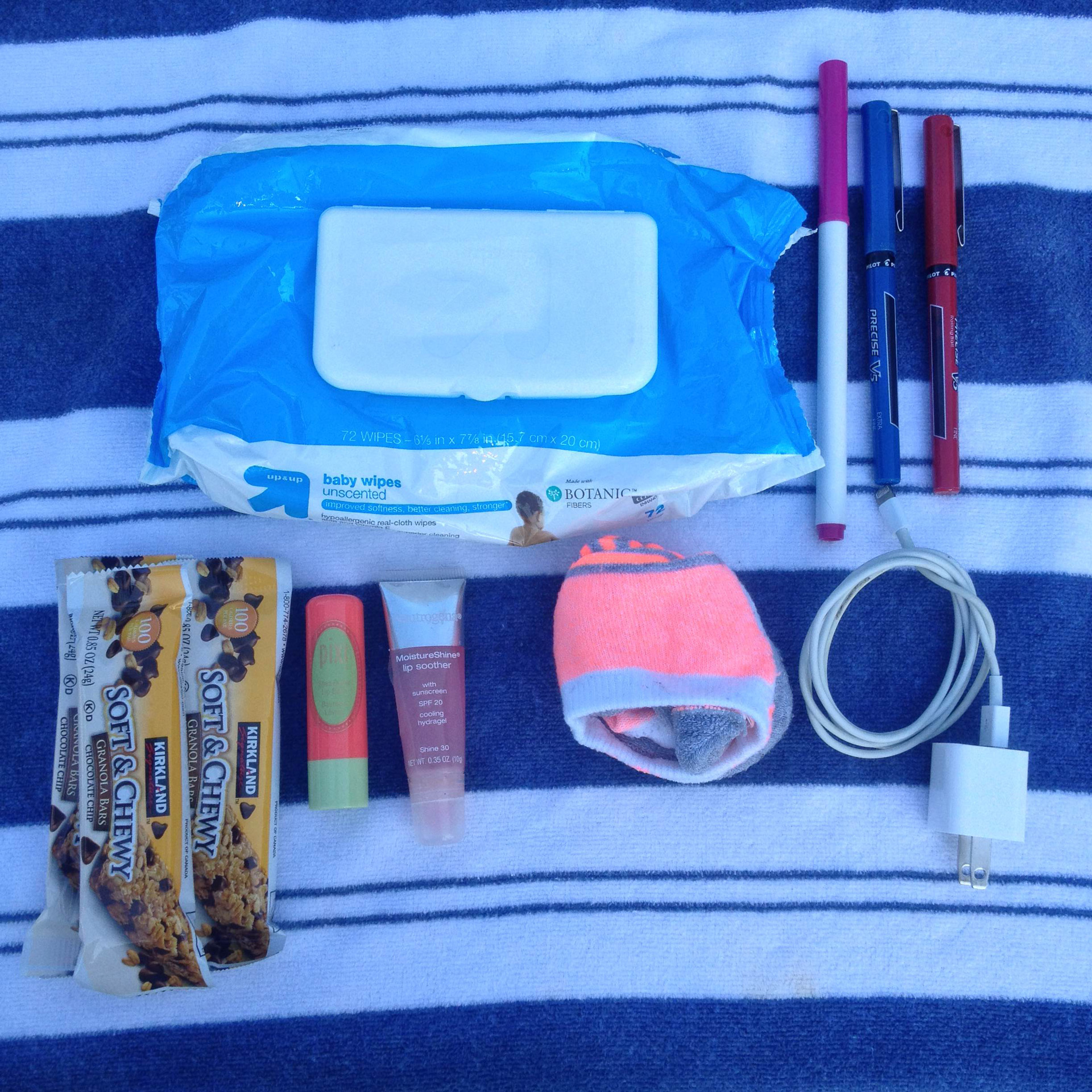 Katie Kavulla's purse | Sheknows.com