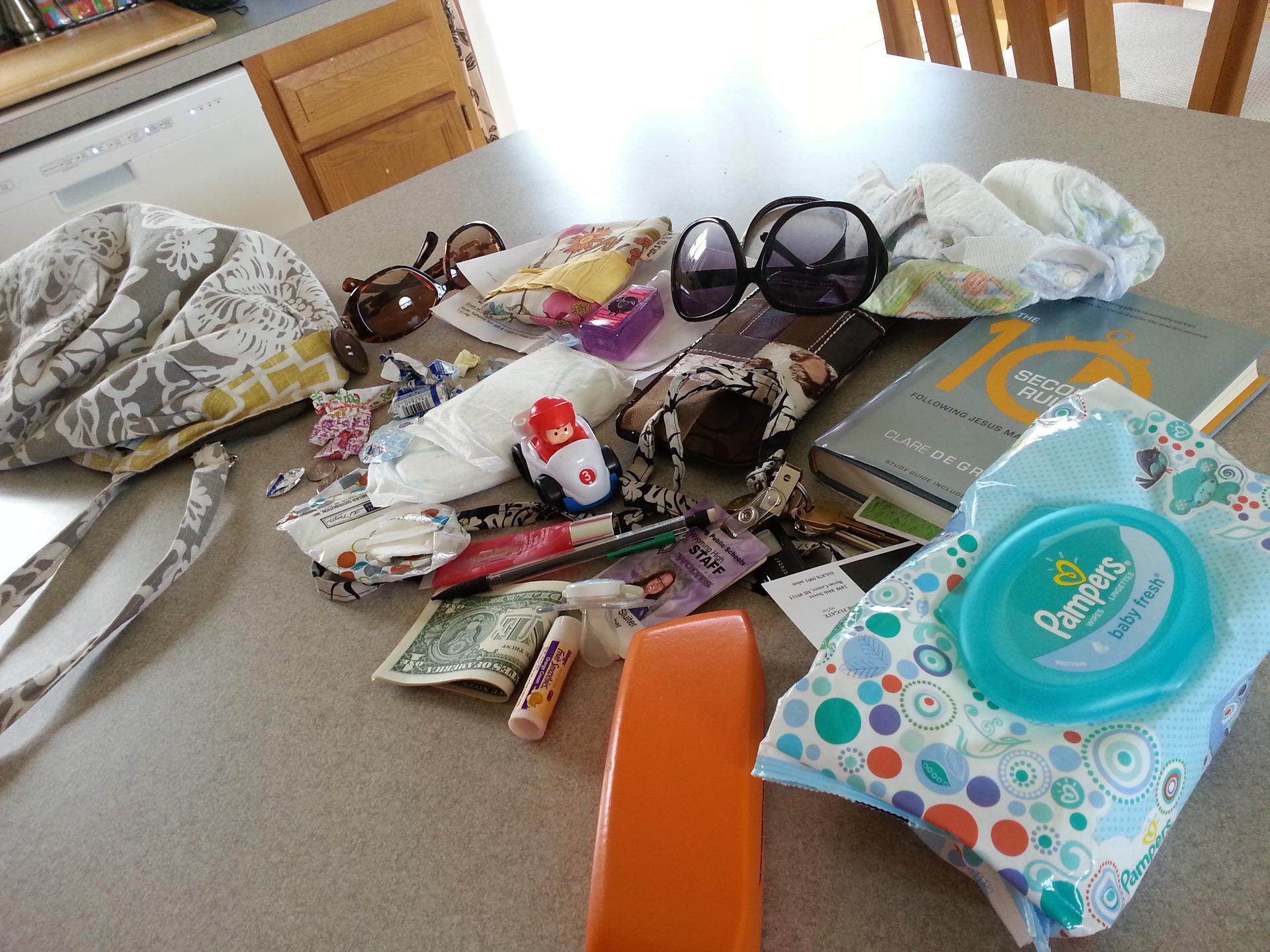 Katie Sluiter's purse | Sheknows.com