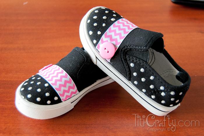 DIY embellished school shoes | Sheknows.com