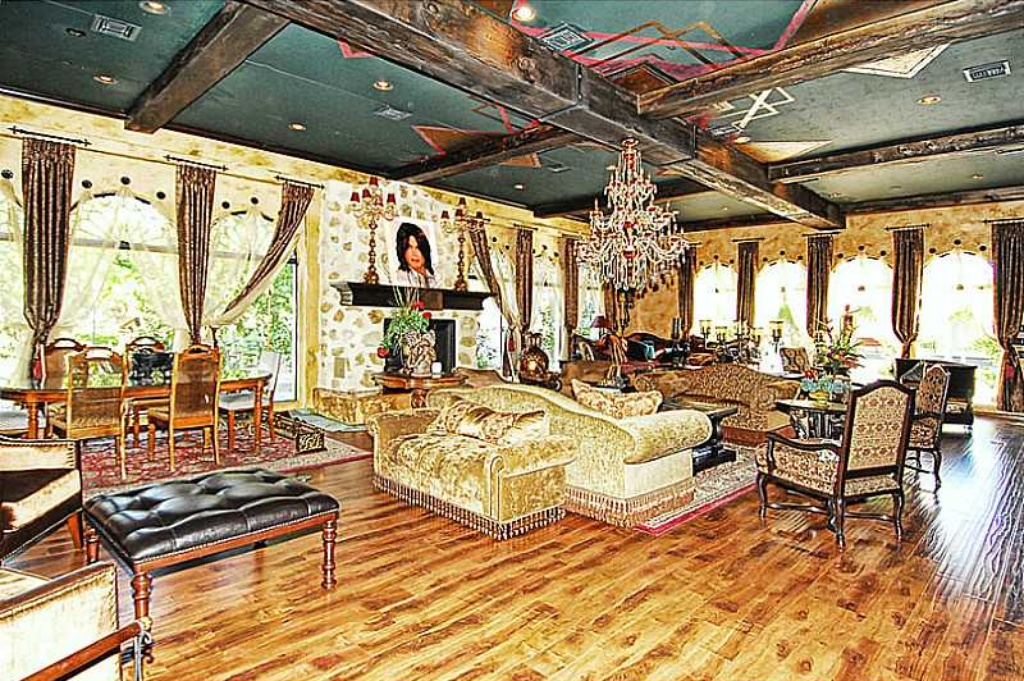 The King of Pop was the last tenant in this luxurious Las Vegas home for sale