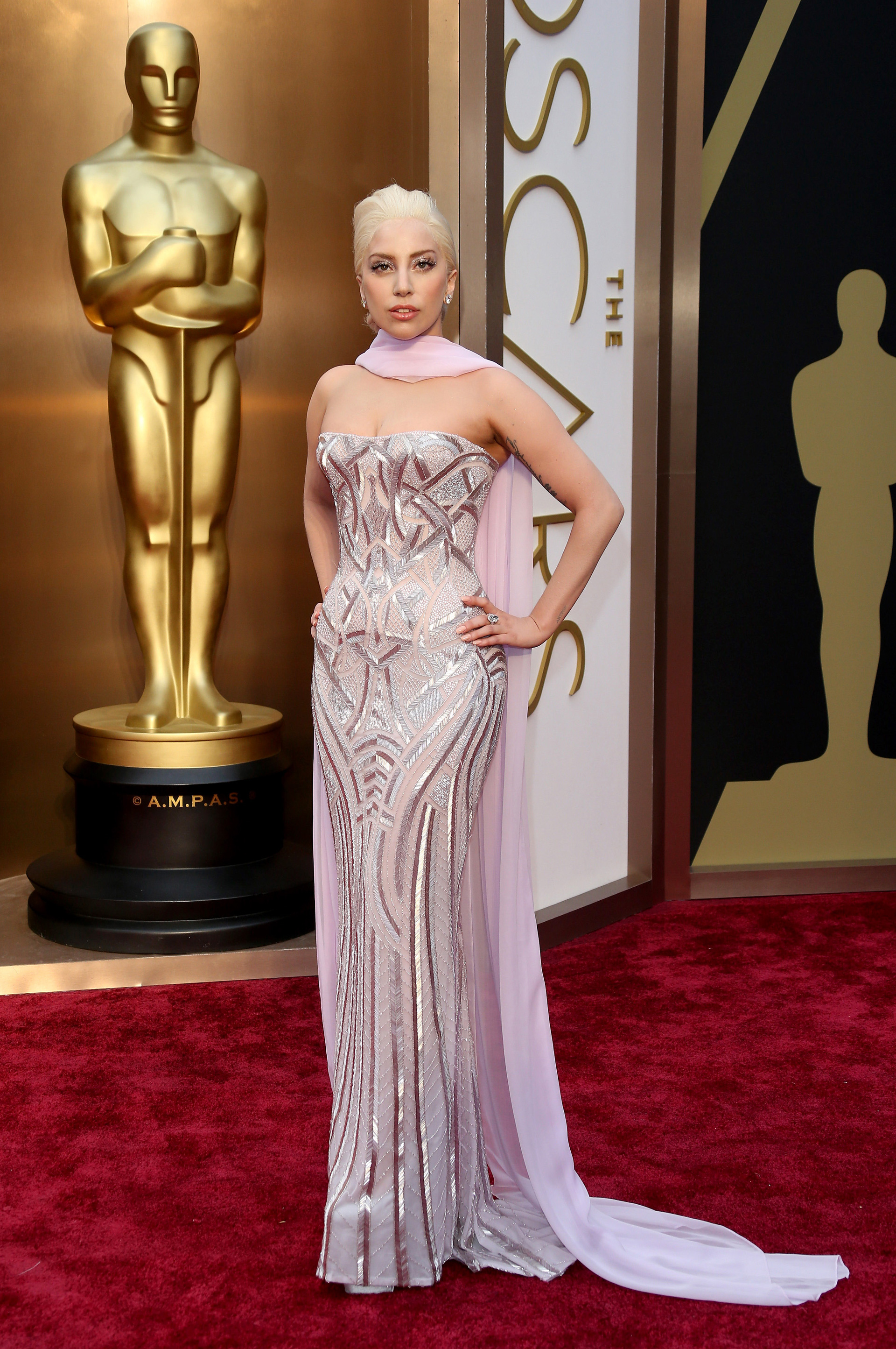 Gagas Oscars red carpet look