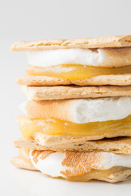 Lemon meringue s'mores recipe
