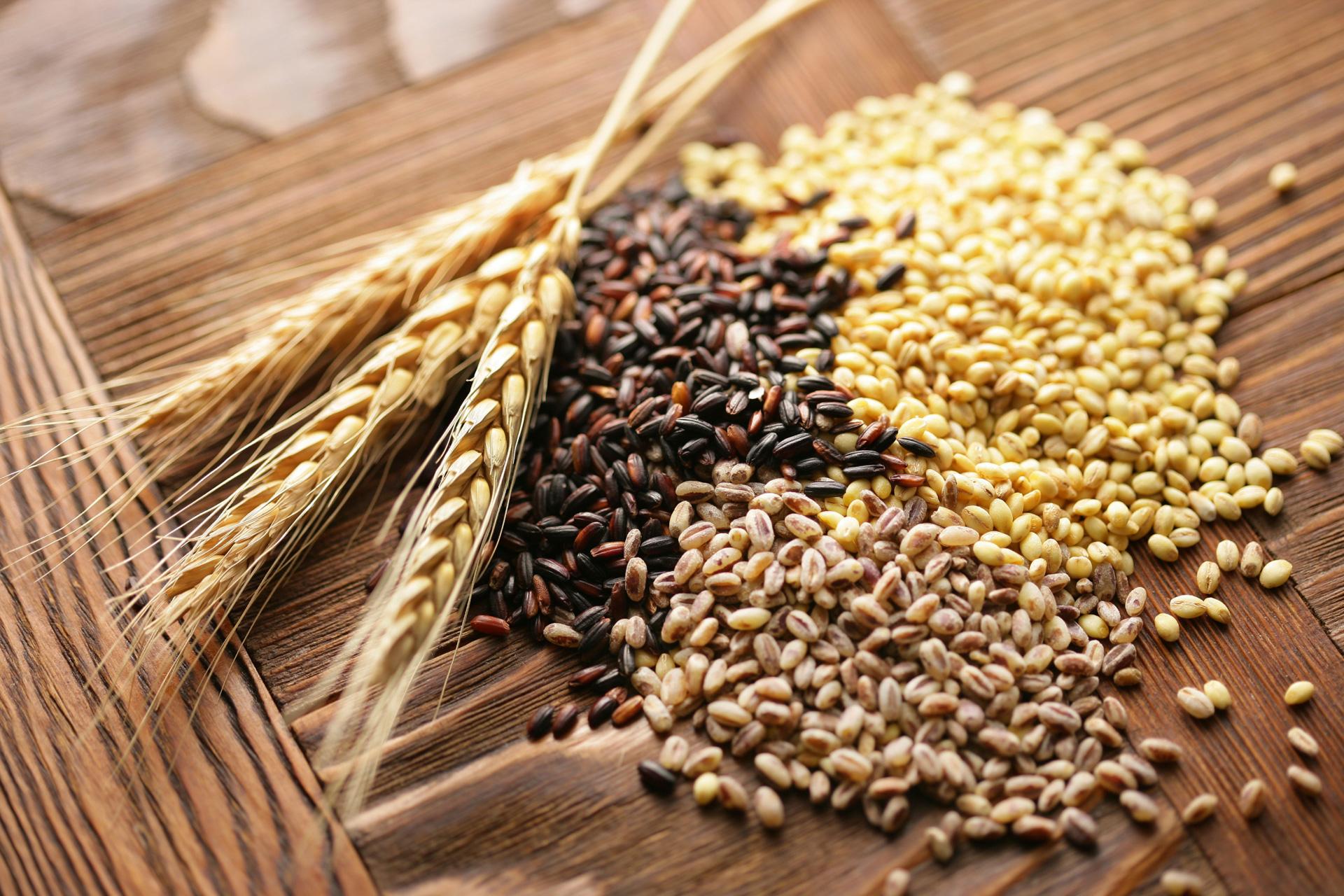 Whole grains (brown rice, millet, barley)