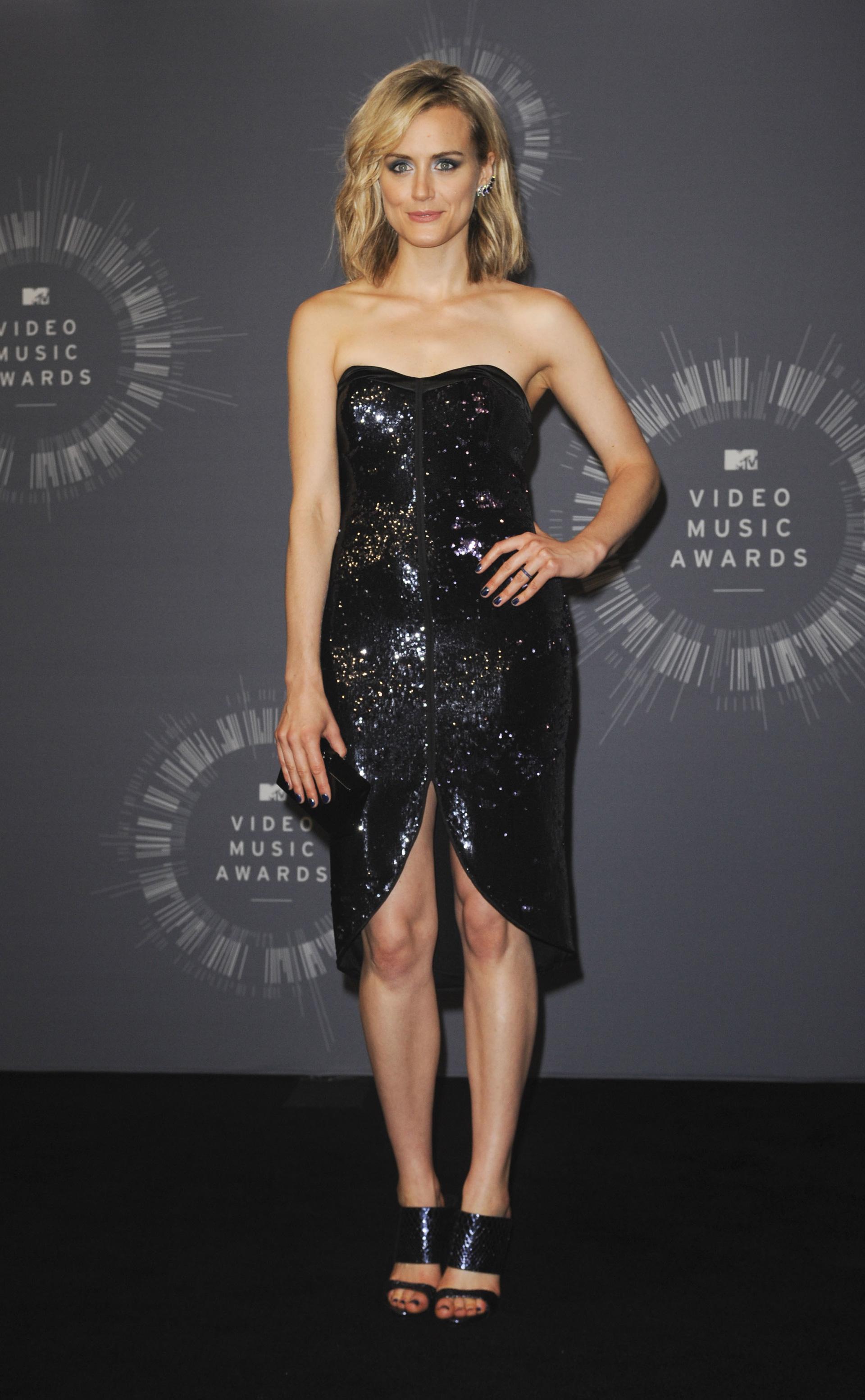 VMA: Taylor Schilling