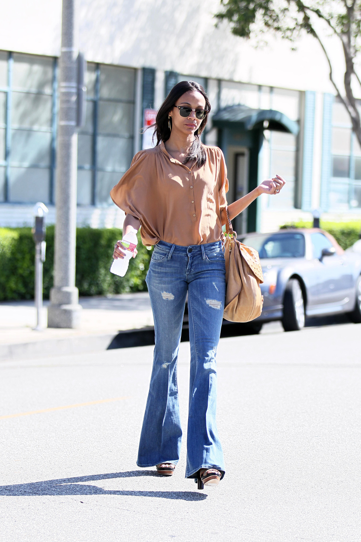 Zoe Saldana leaving the office