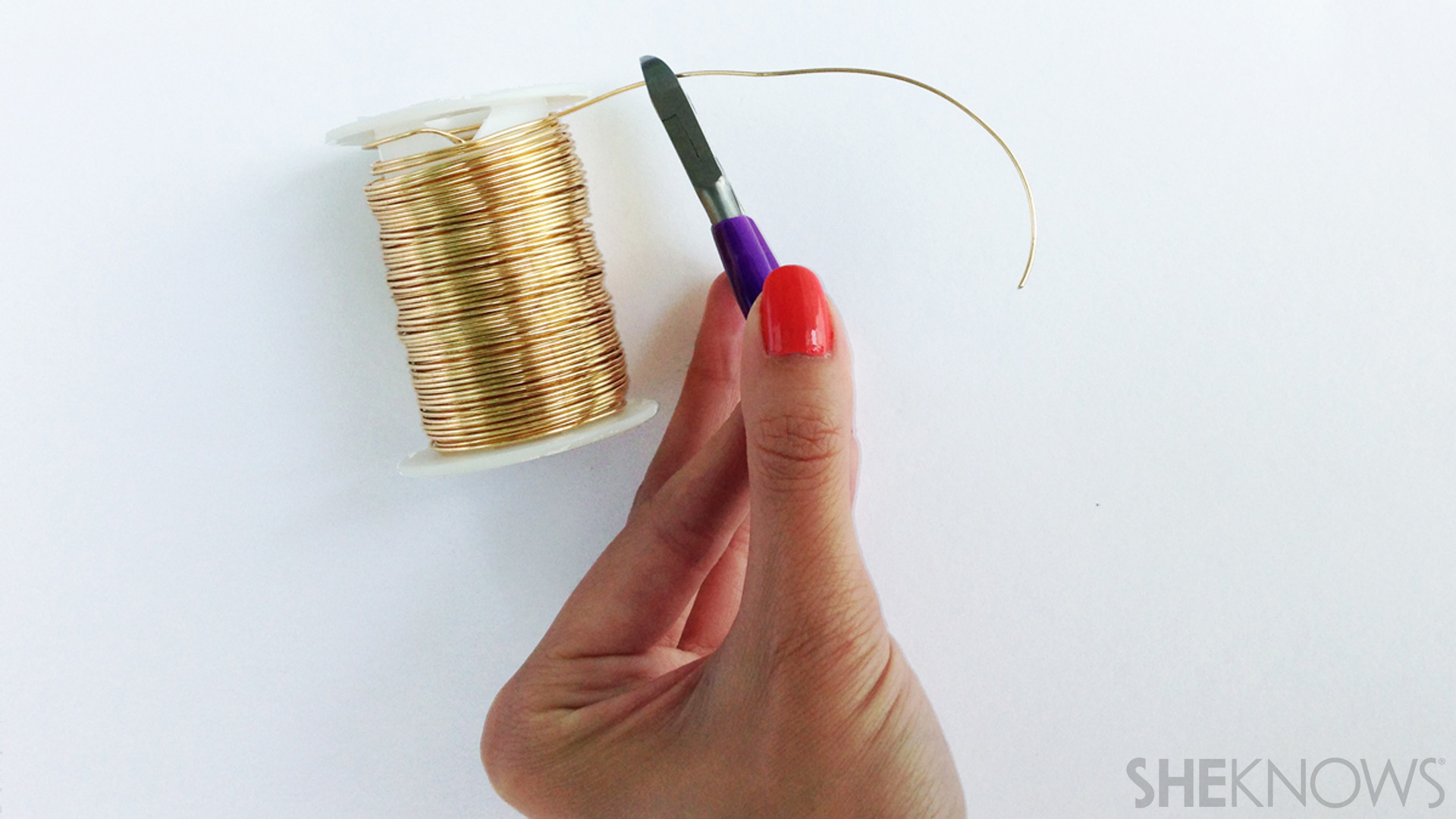Make your own wire jewelry with these simple how-tos